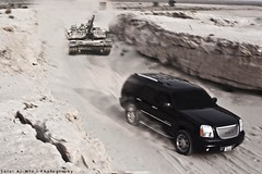 Denali vs Tank (Talal Al-Mtn) Tags: canon automobile kuwait v8 q8 kwt 450d canon450d lm10 inkuwait almtn طلالالمتن talalalmtnphotography denalivstank