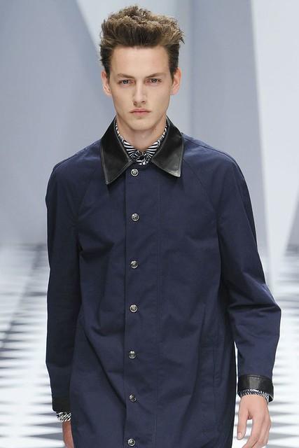 Jakob Hybholt3632_SS11_Milan_Versace(VOGUEcom)