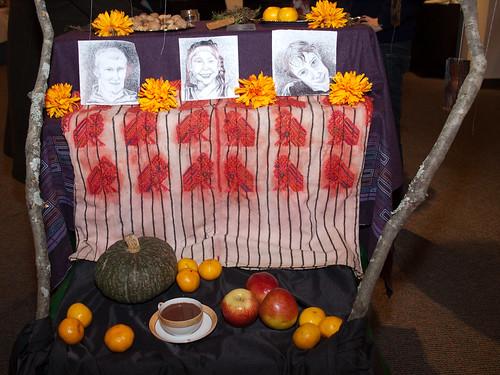 back of día de muertos altar