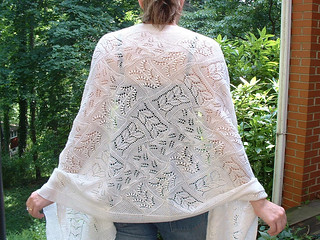 Forest Path Stole pattern by Faina Letoutchaia