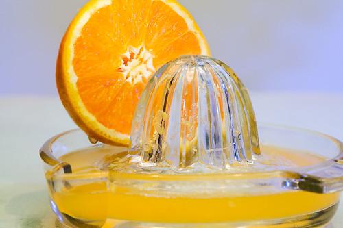 orange-and-juicer