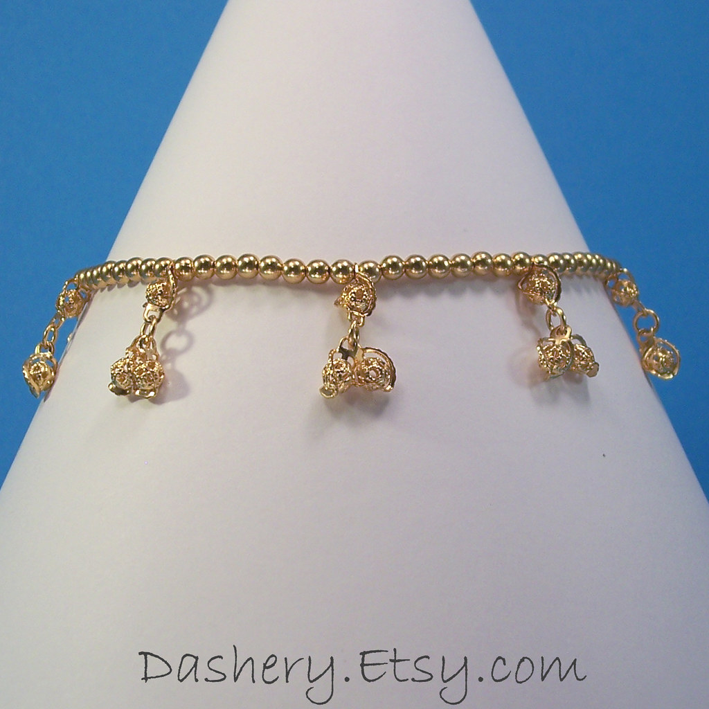 Gold Plate Stretch Anklet with Filigree Dangles