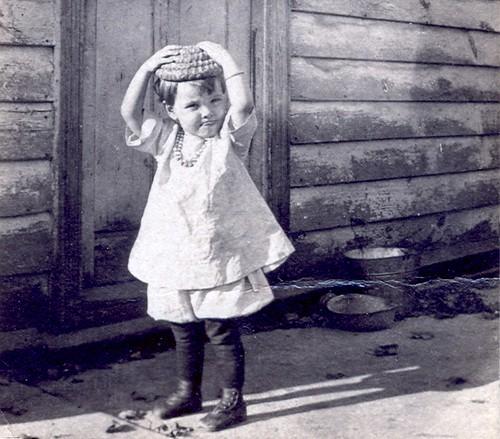 circa 1919.