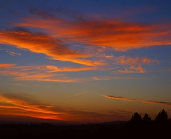 September sunrise (algo) Tags: sky sun clouds sunrise photography dawn topf50 bravo quality september lucky ago supershot 50f outstandingshots flickrsbest kittycomehome 25faves abigfave superaplus aplusphoto 200750plusfaves