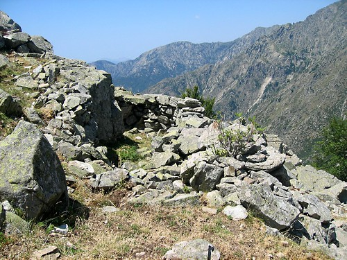 Bergeries surplombant Coracchia à 1600 m : 1ère bergerie… vertigineuse