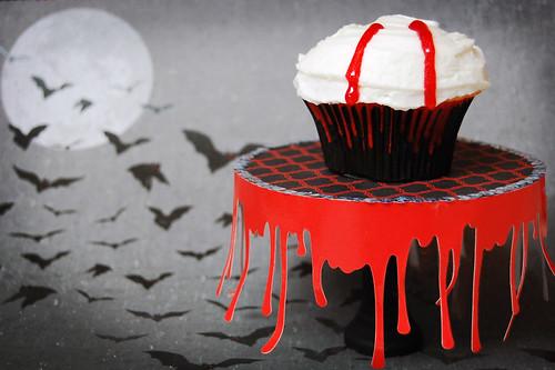 edward cullen vampire cupcake stand