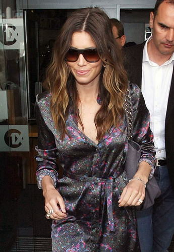 jessica biel hair color ombre. ombre hair color trend,