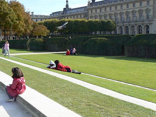 sieste sur l'herbe.jpg