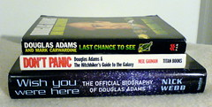 DON'T PANIC! (Ottox) Tags: books lt douglasadams dontpanic librarything bookpile ltdown
