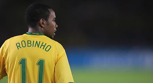 Manchester City: Kakà recomendado por Robinho