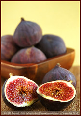 Sensual Figs (MeetaK) Tags: food fruit recipe photography sweet nikond70s ficus figs 10faves abigfave superaplus aplusphoto