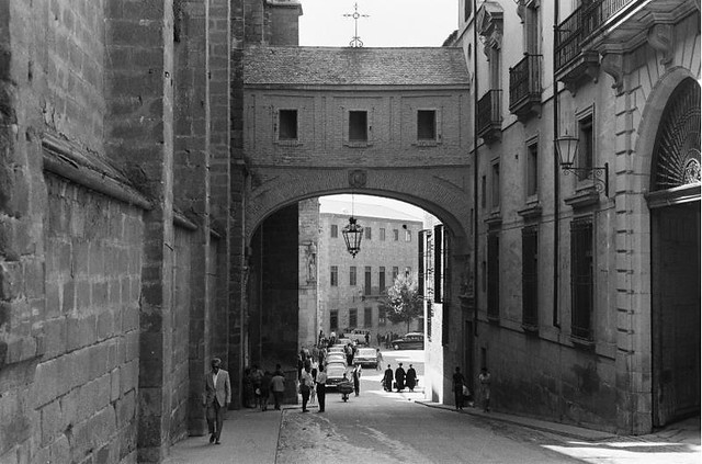 Arco de Palacio de Toledo Toledo visto desde los Cigarrales en septiembre de 1962. Fotografía de Harry Weber. Österreichische Nationalbibliothek