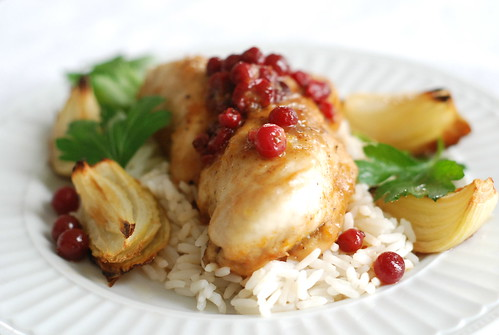 kanafilee jõhvika-apelsinikastmes/chicken breast with cranberry-orange sauce