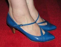 Knallblå skor från Nicol.