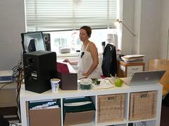anna at her desk (alist) Tags: mit alist cms 02139 robison newmedialiteracies comparativemediastudies cmsmit alicerobison kellyleahy