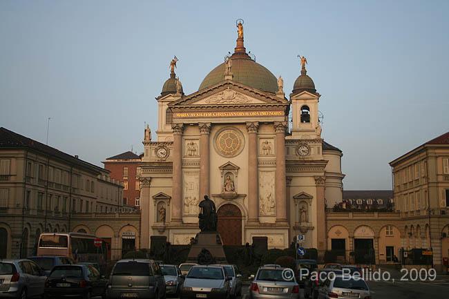 Iglesia de Santa Maria Ausiliatrice. © Paco Bellido, 2009