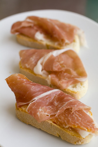 prosciutto on toasts 2