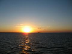 Hasta siempre (Heimlich el sudaca patagnico) Tags: sunset uruguay puestadesol heimlich rodelaplata dmmern