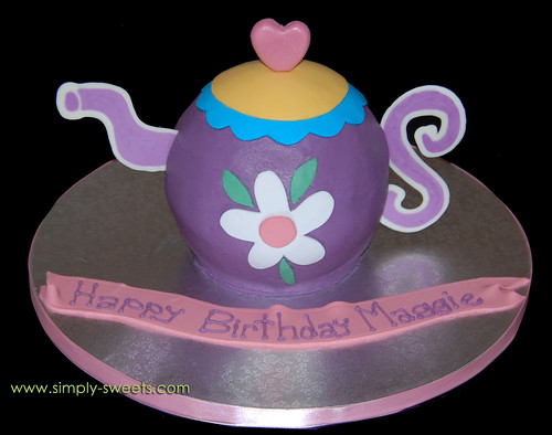 purple teapot cake