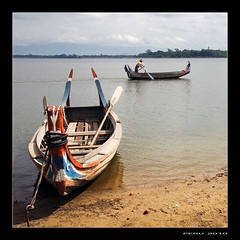 Barcas (Peru Serra) Tags: rio barca gente arena nubes reflejo tamron1750 pentaxk10d