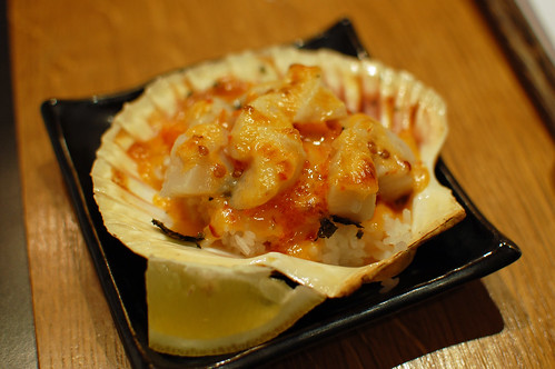 Scallops with Creamy Spicy Sauce on Sushi Rice