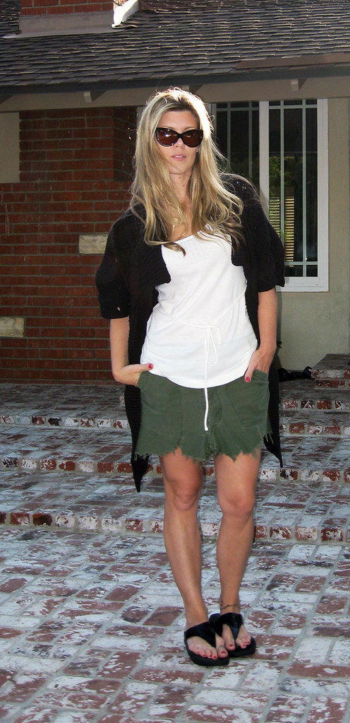 diy cargo skirt+fit flops+oversized cardigan+laid back