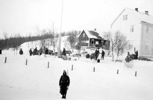 Trønderbataljonens forlegning ved folkeskolen i Elvenes (1940)