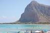 San Vito Lo Capo (kikkedikikka) Tags: nikon san italia mare natura lo sole acqua capo spiaggia sicilia trapani vito ombrellone d40 nikond40 rgspaesaggio rgscastelli rgsmare rgsnatura rgsscorci
