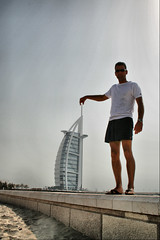 Tower of the Arabs 1, Dubai, Emirates (fatboyke (Luc)) Tags: blue sun building beach sunglasses giant dubai offshore uae july posing emirates burjalarab portret midday iconic luxury jumeirah 2007 tigerwoods persiangulf helipad cantilever jumeirahbeach rogerfederer ronankeating andreagassi 7stars  towerofthearabs luxushotel unrankedgame khuanchew sailofadhow thetallestatriumlobby
