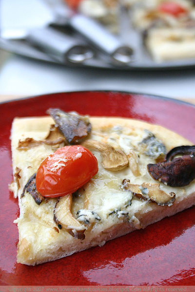 Mushroom and Gorgonzola Pizza