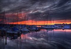 Trslvslge (Kursiv) Tags: sunset sea reflection water clouds canon boats eos harbor scandinavia hdr kursiv interestingness465 25faves trslvslge 400d canoneos4004 aplusphoto