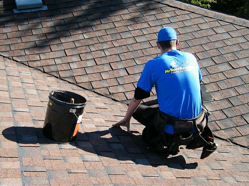 Roofing Contractor by MrRoofRepair.ca