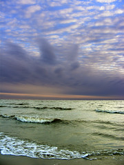 Mar y cielo (Vince Alongi) Tags: beach uruguay interesting day cloudy explore finepix fujifilm montevideo congratulations s700 supershot instantfave 35faves 123sky 25faves playaramirez anawesomeshot impressedbeauty ultimateshot superbmasterpiece shopofcuriosities lomejordefuy2907