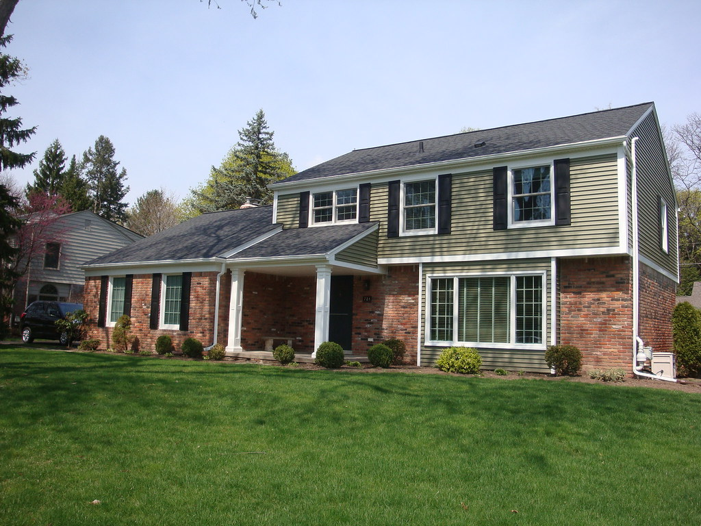 Bloomfield Construction - New Vinyl Siding