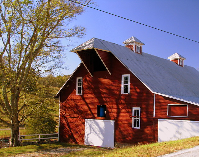 Nice Barn along the highway