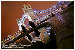 London - Looking in the London Mirror - Tower Bridge (davidgutierrez.co.uk) Tags: nightphotography travel sky people urban london history water fountain beautiful architecture night towerbridge wonderful londonbridge spectacular mirror photo image sony awesome tourist 350 londres historical sensational alpha iconic londra impressive londoncity towerhill urbanscape londonnight visitlondon colorphotoaward beautifullondon sonyalphadt1118mmf4556 sony350dslra350