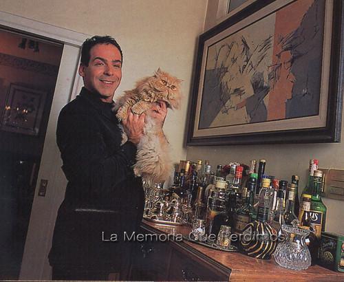 Company y su gato Tango 2001