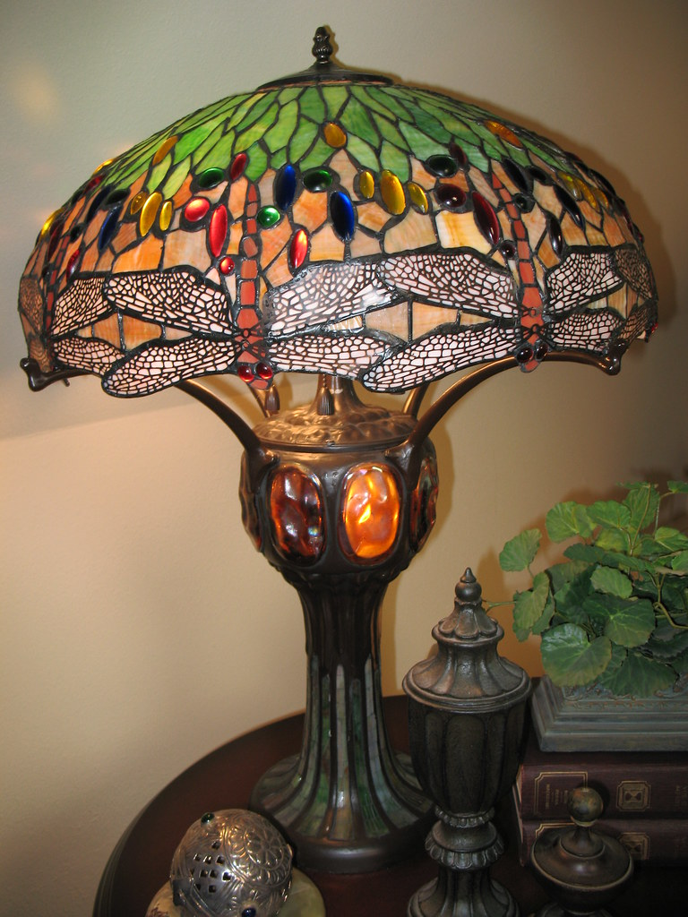 Tiffany Style, Bronze Table Lamp