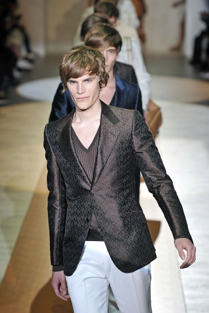 Anthon Wellsjo3045_SS11_Milan_Gucci(first VIEW)