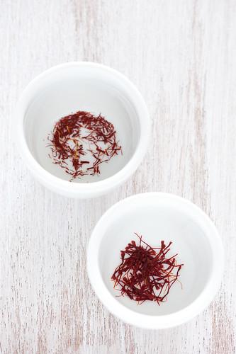 spanish saffron (left) kashmiri saffron (right)
