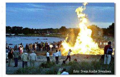 st.hans bål :: mid-summer's bonfire