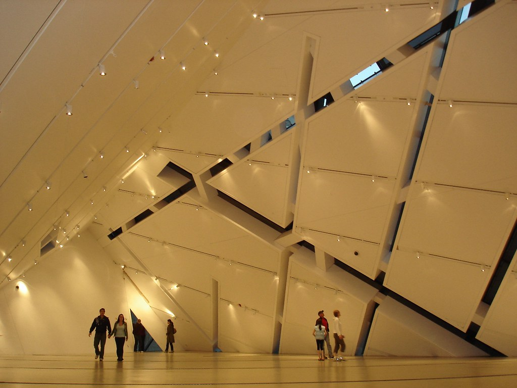 ROM Crystal Interior 052