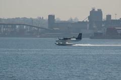 Seaplane landing (Loutron Glouton) Tags: vancouver coalharbour blogphoto1