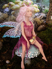#51 Bryce ~ Fairy on Toadstool (Nenfar Blanco) Tags: sculpture art doll handmade oneofakind ooak magic polymerclay fairy fantasy toadstool dust faerie hada fae arcillapolimrica nenufarblanco