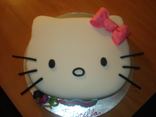 Our Second Hello Kitty Cake