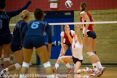 NCAA Volleyball (n8xd) Tags: girls college sports female ball women university action michigan womens iso volleyball svsu ncaa volley midland northwood collegiate 2010 vollyball pallavolo saginaw voleibol plfoli glvc  siatkwka 12800  volleyboll iso12800  gliac d3s  microwavephoto volleyeuse    eitpheil