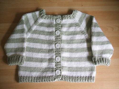 Top-down baby raglan