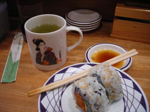 Comiendo sushi en el Kulu Kulu
