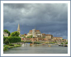 Nasty weather in Auxerre - by <Benoît>