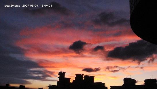 07.08.09 在家裡拍的夕陽
